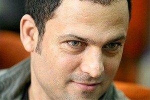 حسین یاری بازیگر مرد ایرانی کارمند بانک مرکزی است!
