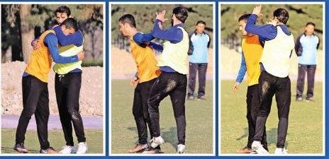درگیری دو بازیکن استقلال مقابل چشمان مظلومی! +تصویر