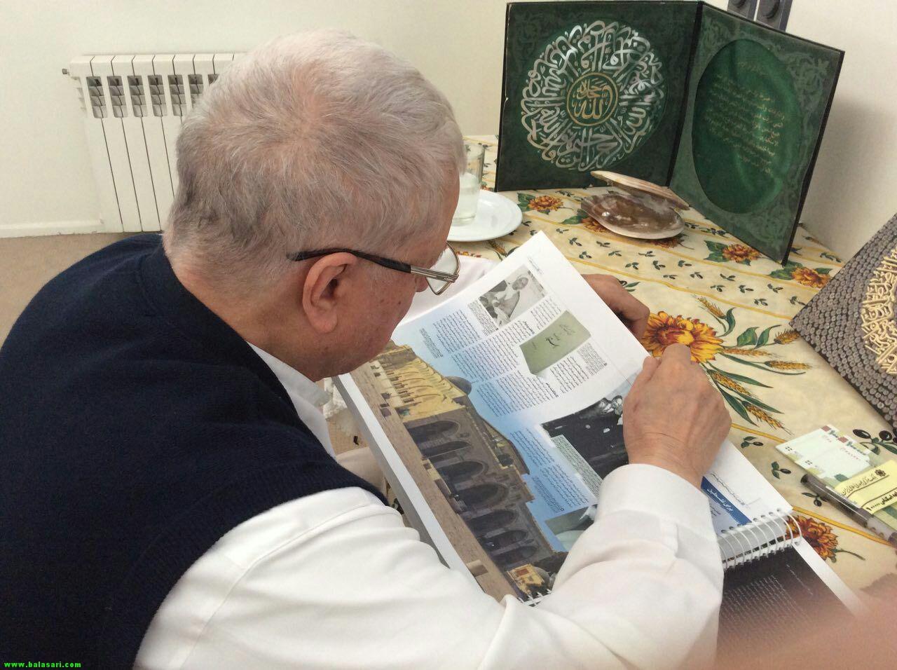 هاشمی رفسنجانی در تعطیلات چه کتابی می خواند؟ +عکس