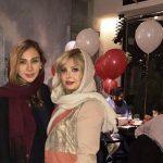 عکسی جدید از نیوشا ضیغمی و خواهرش