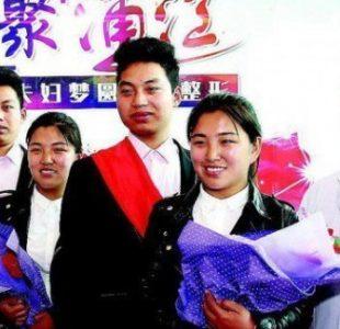 ازدواج برادران دوقلو با خواهران دوقلو و جراحی تغیر قیافه آنها! +عکس